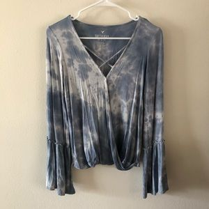 AMERICAN EAGLE OUTFITTERS | Tie Dye Bell Sleeves